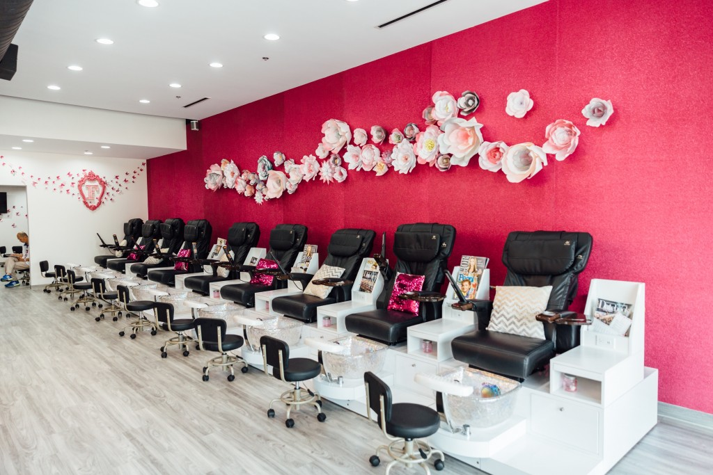 Fizz Nail Lounge- Washington